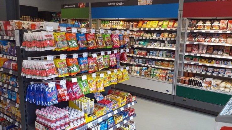 Jak nakupujeme potraviny? Češi si oblíbili menší prodejny s rozšířenými službami