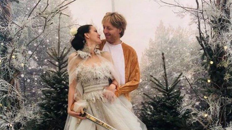 Třetí Vánoce spolu. Janeček a jeho partnerka Lilia ukázali romantické fotky
