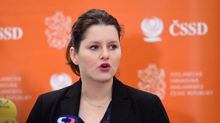Lidé zasaženi covidem mohou počítat s podporou do února, Maláčová prodloužila Antivirus