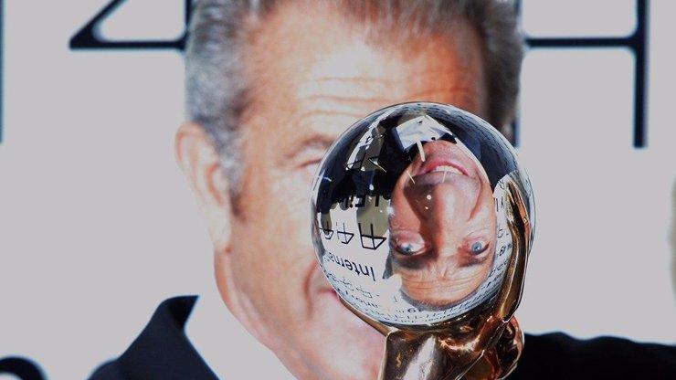 Karlovarský filmový festival vyvrcholil předáváním cen! Kdo si odnesl Křišťálové glóby a kdo ceny útěchy?