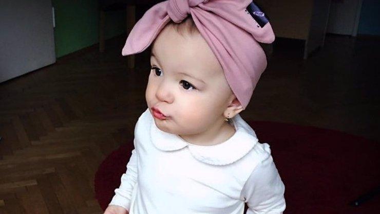 Tohle je nejkrásnější dítě českého šoubyznysu: Poznáte maminku malé princezny?