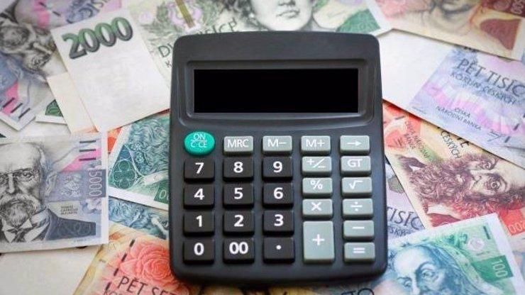 Zrušení superhrubé mzdy představuje problém: Lidem však přistane víc na účtě, o kolik?
