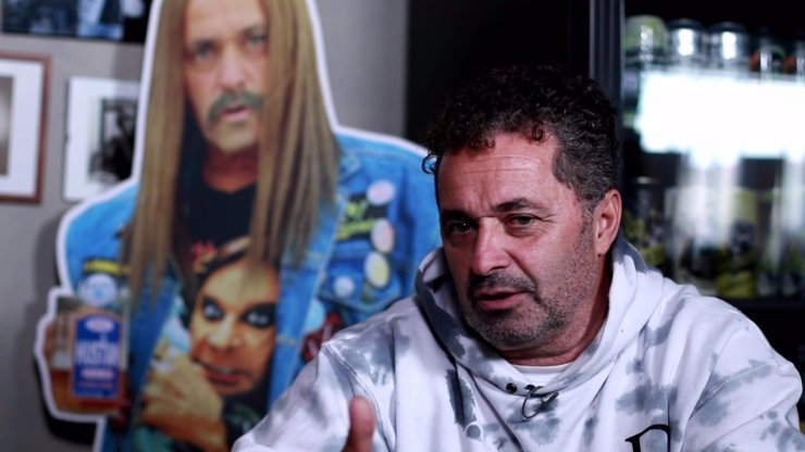 Extra Host Martin Dejdar se mění na Ozzáka: Ze šviháka je po zákazu sportu usedlý gaučák