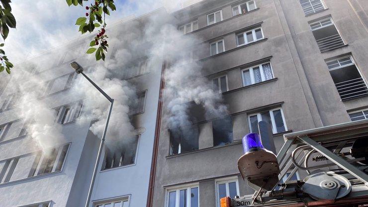 Lidé poslali pro oběti požáru v pražských Holešovicích přes 80 tisíc korun