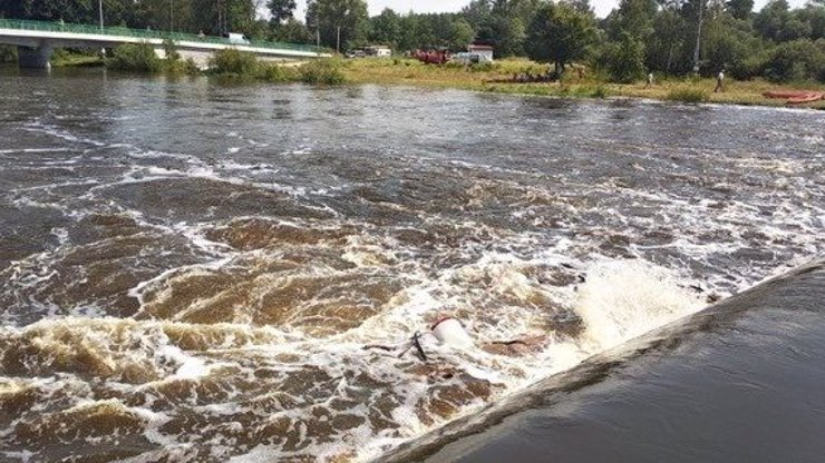 Chlapeček (1,5) v Plzni spadl do rozvodněné řeky:  Vytáhli ho bez známek života