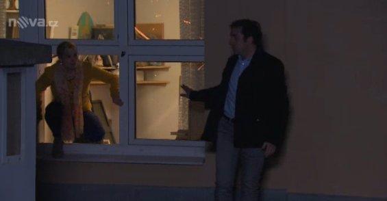 Obrovský ŠOK v Ulici: Kvůli NEŠŤASTNÉ lásce chce skočit ze střechy! Komu půjde o život?