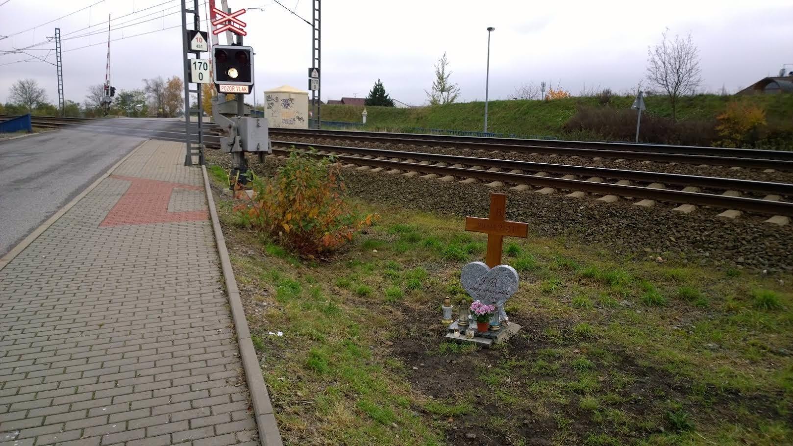 Exkluzivně: Džambulka má konečně náhrobek na místě, kde si lehla pod vlak!