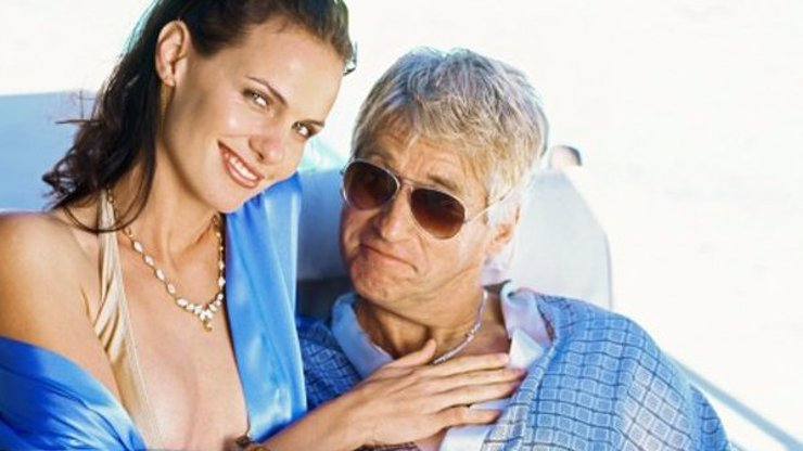 8 skutečných důvodů, proč se krásné a mladé dívky zamilovávají do starších mužů