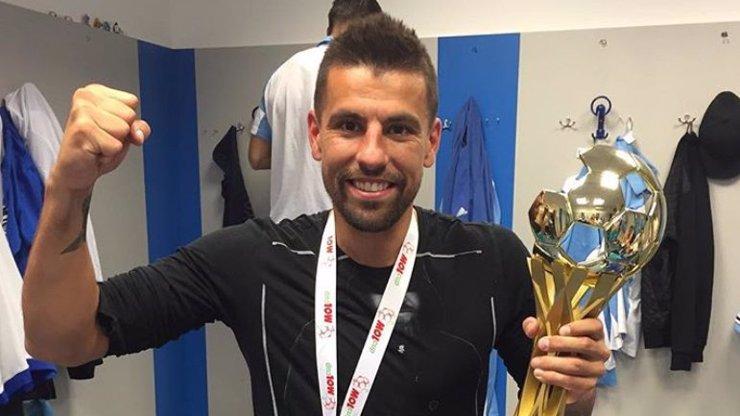 Fotbalová ikona se loučí: Bouřlivák Baroš po sezoně ukončí kariéru, už nemůže dál