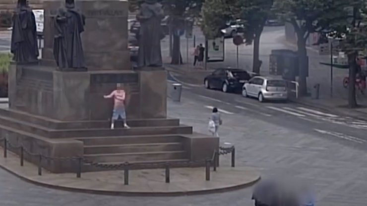 Místo turistů onanisti: Praha se potýká s muži, kteří se předvádějí na veřejnosti