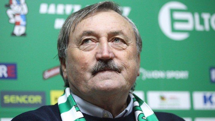 Antonín Panenka (71) bojuje s oboustranným zápalem plic: Stav fotbalové legendy je na hraně