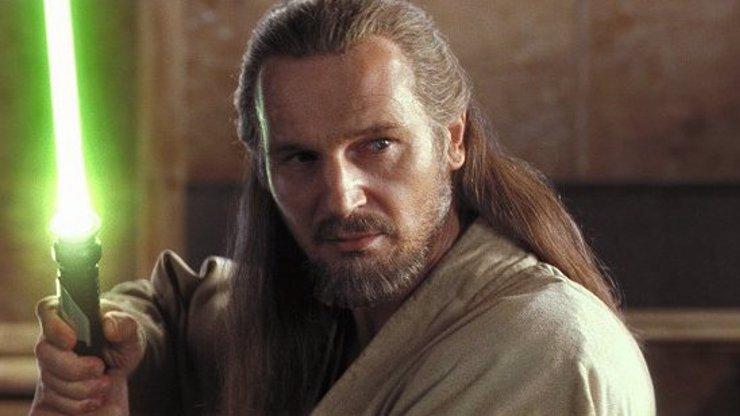 Liam Neeson se vrátí do Star Wars? S postavou Qui-Gon Jinna je to složitější