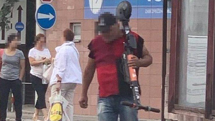 Slováci mají z ostudy kabát: Polovinu sdílených koloběžek lidé rozkradli