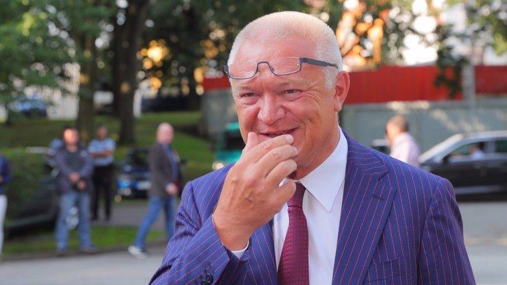 Jaroslav Faltýnek prodá své obrazy: Peníze dostane prostějovská škola