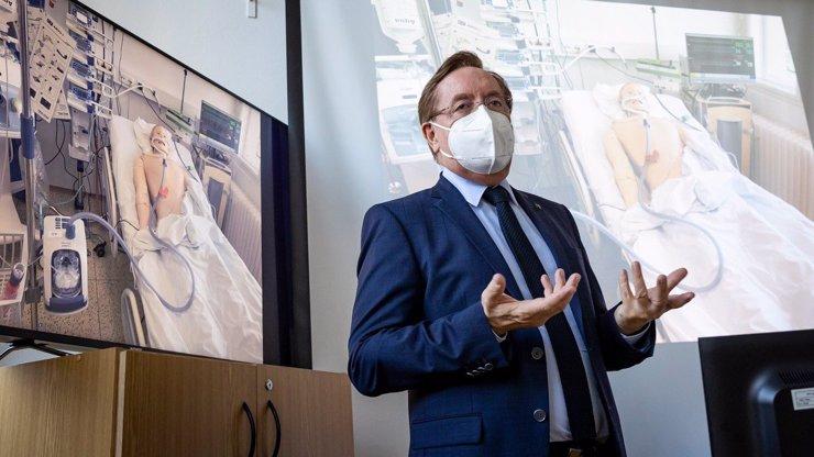 Nový ministr zdravotnictví Arenberger: Odborník zhodnotil první tiskovku a řekl, proč si ho Babiš vybral