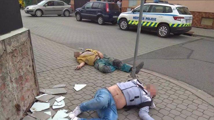 Strážníci v Přerově vyjížděli k mrtvolám na chodníku: Našli opilé kamarády