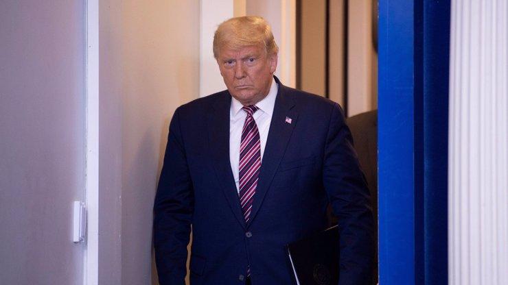 Donald Trump trvale přišel o svůj účet na Twitteru: Podle správců podněcoval násilí