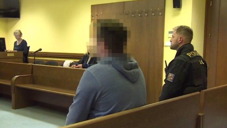 Rozhodnutí soudu: Otec, který ubodal syna Davídka (†7), do vězení nepůjde