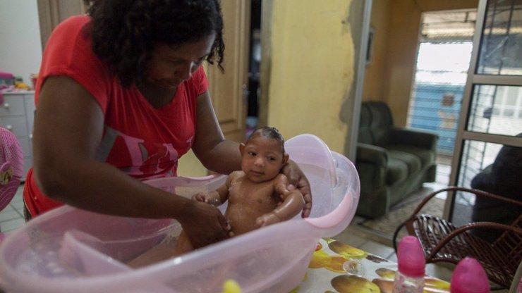 Virus Zika už je nebezpečně blízko. Hospitalizovaná je těhotná Španělka!
