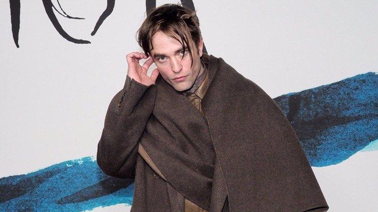 Třpytivý Batman boduje: Robert Pattinson byl vyhlášen nejhezčím mužem světa
