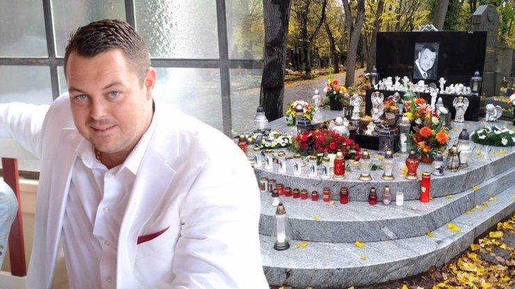 Honosný hrob Jana Kočky, který usmrtil řidiče: Na tragicky zesnulého vzpomíná rodina i na Dušičky