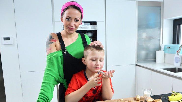 Agáta opět v akci! Prachařová bude od března v televizi radit, jak přežít mateřství