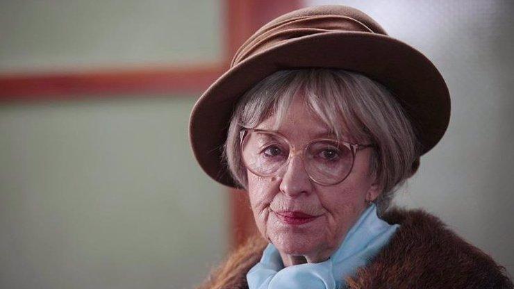Babička z Vyprávěj slaví 82 let: Nina Divíšková statečně bojuje s těžkou nemocí