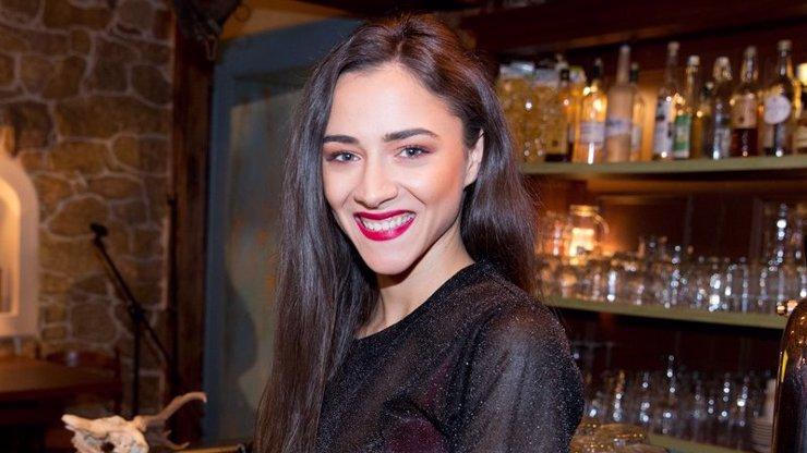 Eva Burešová vytřela zrak rýpalům: Že je můj úsměv odporný? Tak tady máte!