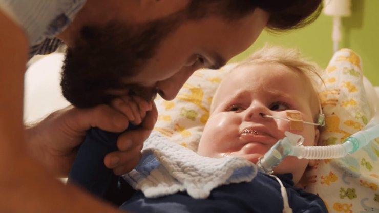 Oliverek v USA nepochodil, rodiče hledají v Evropě: Do podání léku zbývá méně než 14 dnů