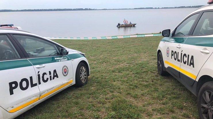 Tragédie na Zemplínské šíravě: Partička kluků vyrazila na přehradu ve člunu, dva mladíci se utopili