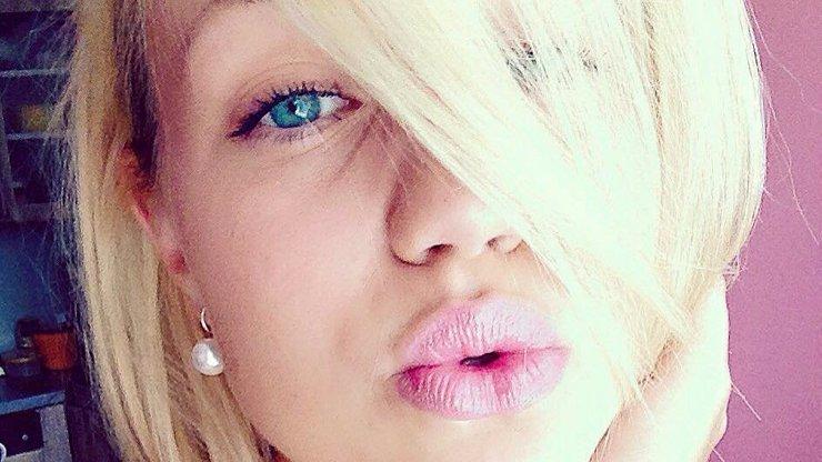 Diana (19) obvinila svého ředitele ze sexuálního obtěžování. Pokud lže, hrozí jí 8 let za mřížemi!