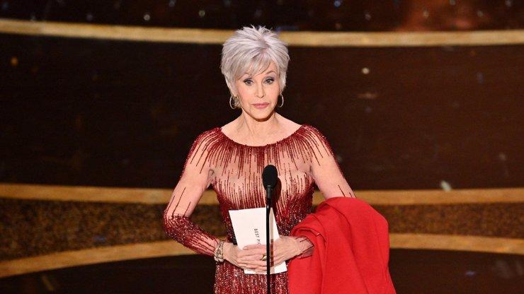 Jane Fonda (82) na Oscarech 2020: Vynesla stejné šaty jako kdysi a zdá se, že nestárne