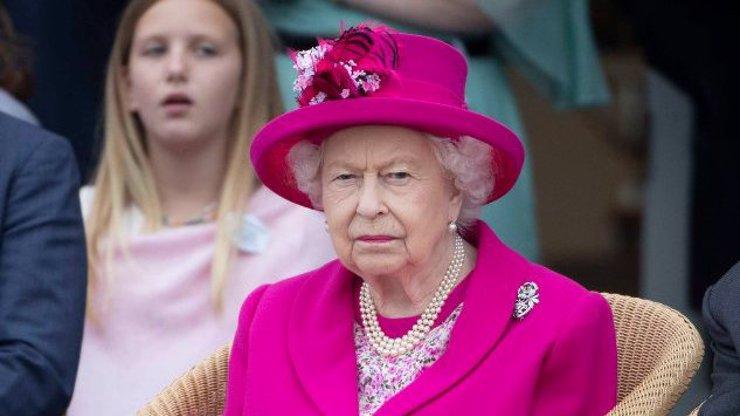 Po princi Philipovi (†99) přišla další rána pro královnu Alžbětu. Zemřel jí milovaný přítel