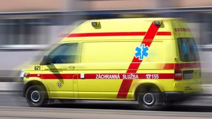 Strašlivá tragédie v Táboře: 11 hodin stál na římse, skočil s dopadem na matraci, poté na beton