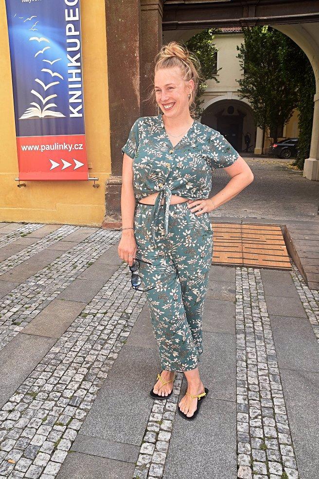 Aneta Krejčíková vyvenčila svou Toničku: Dva porody za sebou a postava k nakousnutí