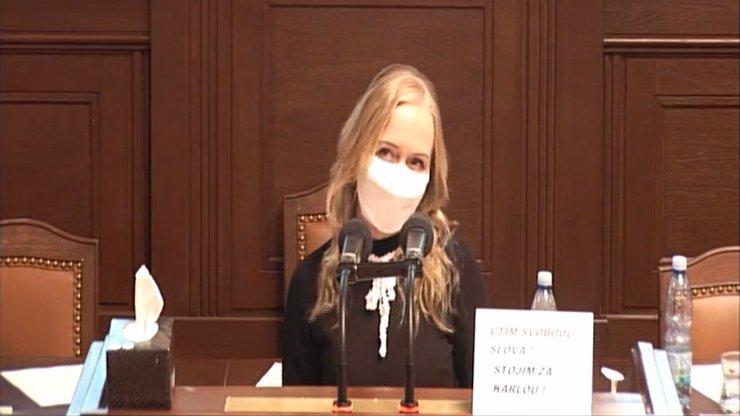 Ostrá výměna názorů ve Sněmovně: Maříkovou nevydají, řekla to, co si myslí všichni