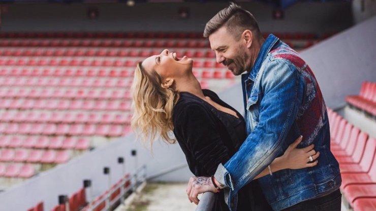Tři roky lásky: Tomáš Řepka napsal vyznání své věrné partnerce Kateřině Kristelové