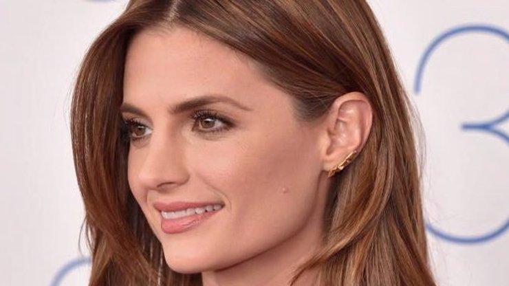 To je vážně nechutné! Čím si musí procházet Kate Beckett ze seriálu Castle?