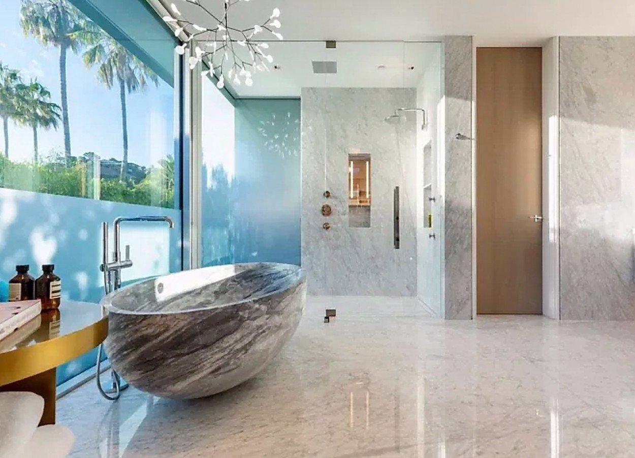 LeBron James si koupil bydlení za více než miliardu: Nekonečný bazén, kino i wellness areál