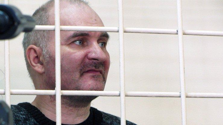 Ruský šílenec vykrádal hroby: Těla mrtvých holčiček mumifikoval a oblékal jako panenky