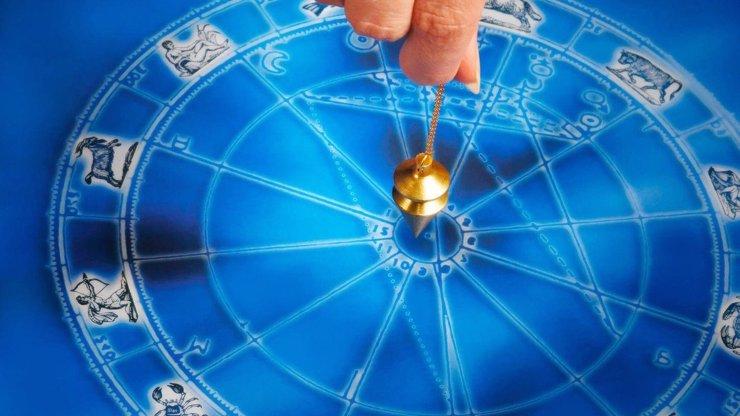 Velký sexuální horoskop na rok 2018 pro všechna znamení! Váhají Váhy i v posteli?