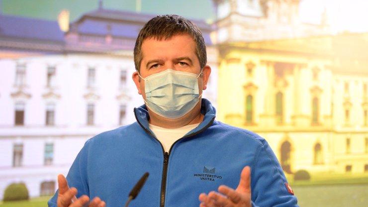 Bendův kmotrhotel získal obří kompenzace: Po mejdanu už ani korunu, hřímá Hamáček