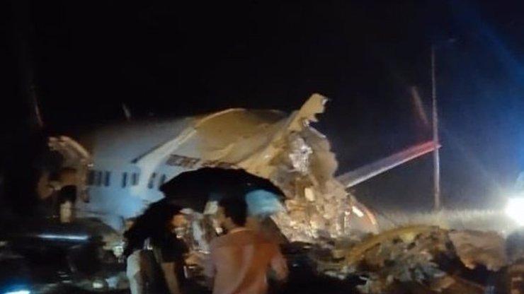 Strašlivá letecká nehoda v Indii: Šestnáct ztrát na životech, více než sto zraněných