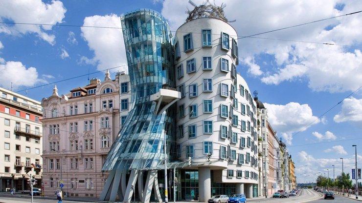Češi zabodovali: Tančící dům je devátou nejkrásnější stavbou světa