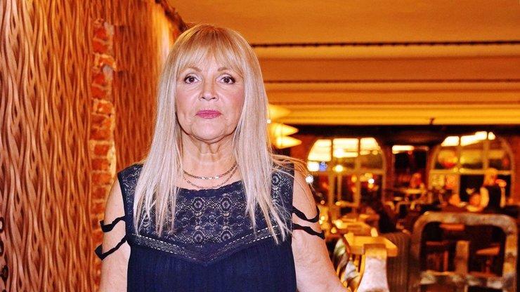 Zdrcená Věra Martinová: Covid jí zabil mámu, tátu a další 3 členy rodiny, poslala ostrý vzkaz