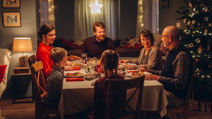 Veselé Vánoce u sousedů: Země budou buď v karanténě nebo o svátcích nechtějí cizince