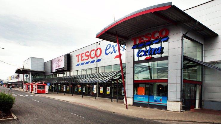 Jak to bude s otevírací dobou v obchodech Tesco o svátcích?