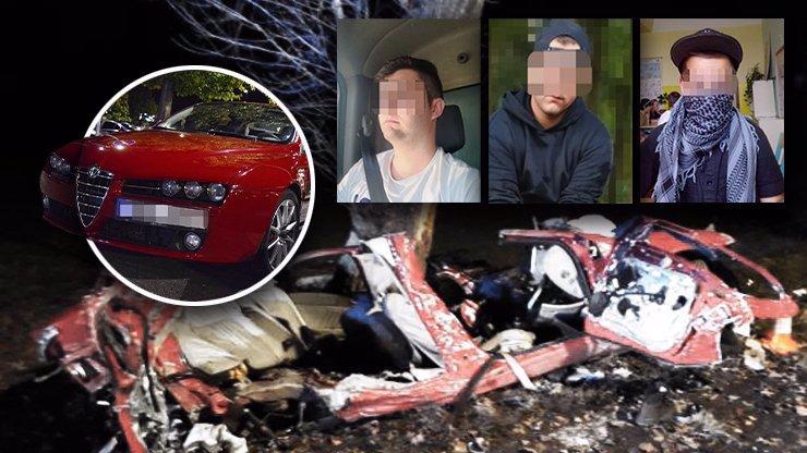 Rozstřelená Alfa Romeo a smrt tří mladíků: První slova Petrovy zdrcené přítelkyně Terezky