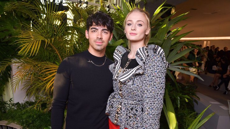 Sansa ze Hry o trůny je těhotná: Sophie Turner a Joe Jonas čekají prvního potomka