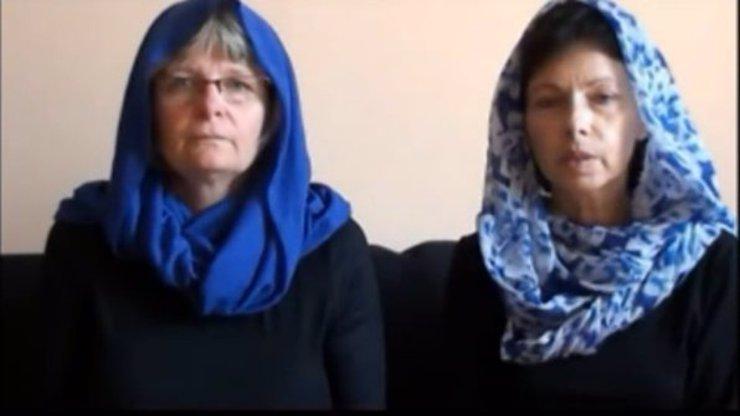 Matky unesených Češek odpovídají únoscům ve videu: Naše dcery jsou hodné dívky!